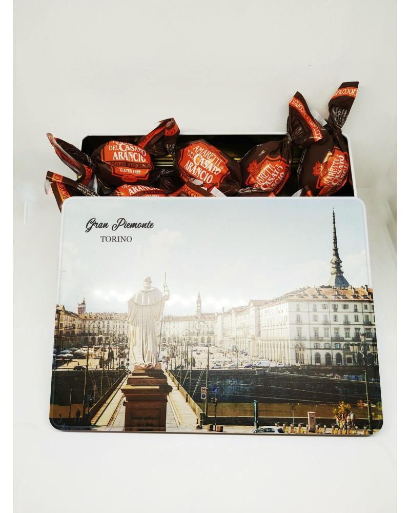 Scatola in Latta con Amaretti all'arancia ricoperti di cioccolato 200 gr